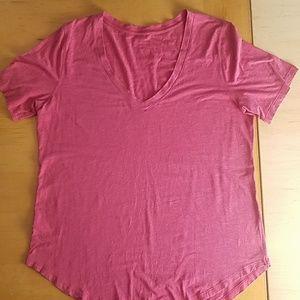 Lululemon pink V-neck with a long scoop hem  XL
